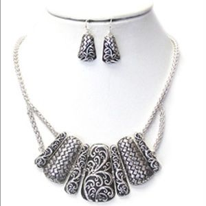 TEXTURED NECKLACE/EARRINGS SET-18""